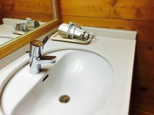 給水装置工事主任技術者は、給水装置工事事業者が水道事業者から指定を受けるための必須の国家資格者です。